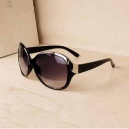 2019 wysokiej jakości kobiety okulary luksusowe kobiet okularów przeciwsłonecznych moda lato słońce okulary kobiety w stylu Vint