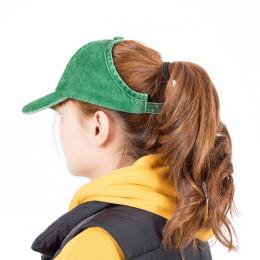 Czapka z daszkiem sportowa bawełniana jednokolorowa efekt sprania czarna niebieska zielona biała