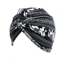 Modne turbany damskie eleganckie nakrycie głowy chroniące przed słońcem ozdobne oryginalne wzornictwo onkologiczne