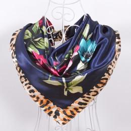W nowym stylu wzór wężowej skóry kwadratowe chustki okłady drukowane gorąca sprzedaż kobiety różowy niebieski jedwabny szal szal