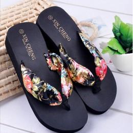 Kapcie domu dla kobiet czechy kwiatowy plaża sandały klina platformy Open Toe Med obcas stringi kapcie klapki japonki wewnątrz n